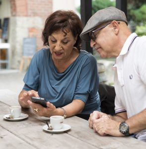 Aké sú pravdy a mýty o dnešných senioroch?