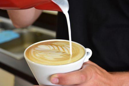 Káva s mliekom či bez?