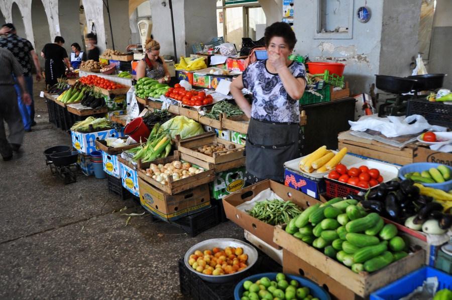 10.Jerevan-na-miestnom-trhovisku